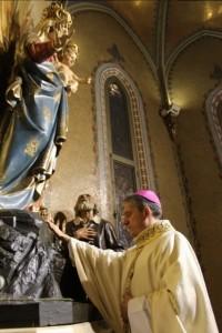 Vescovo Viola ai piedi della Guardia_2
