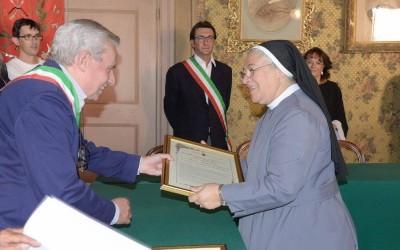 SAN SEBASTIANO CURONE: Conferita cittadinanza onoraria alla Madre generale delle PSMC e Messa del Vescovo – FOTO e AUDIO omelia.