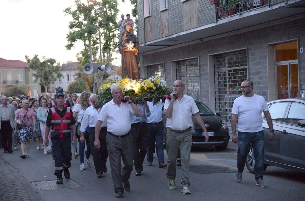 Voghera: Celebrato Sant'Antonio di Padova nella parrocchia orionina di San Pietro – audio omelia Viola e Vanoi