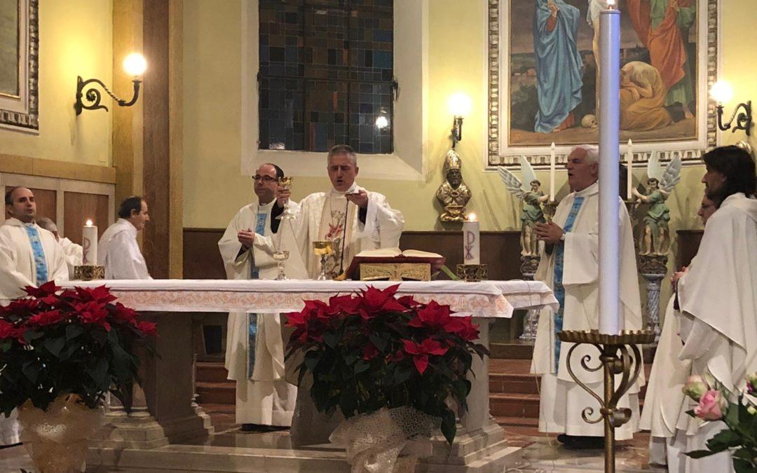 Celebrazione del vescovo Viola per l'apertura dell'adorazione quotidiana nella Chiesa di San Michele – AUDIO omelia